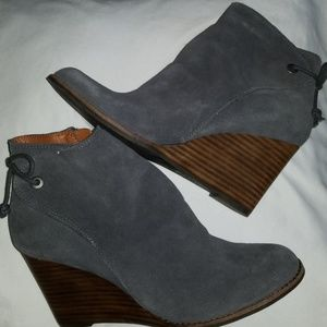 Lucky Brand gray Suade Bootie sz 9